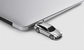 porsche-USB-Stick-8-GB-Panamera-Turbo-G2